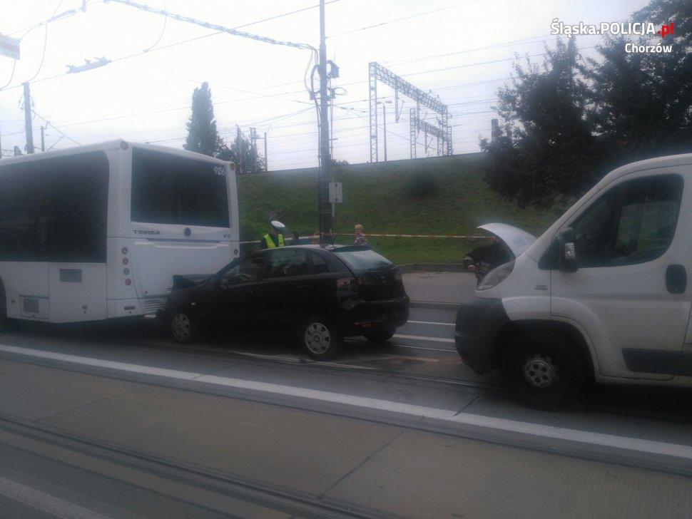 Groźna kolizja z autobusem