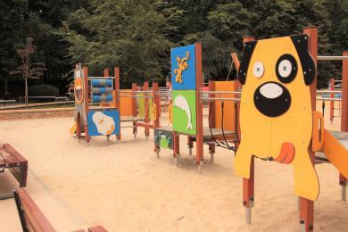 W Parku Róż powstał wielki plac zabaw