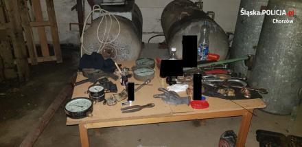 Kradli elementy przepompowni i posiadali narkotyki