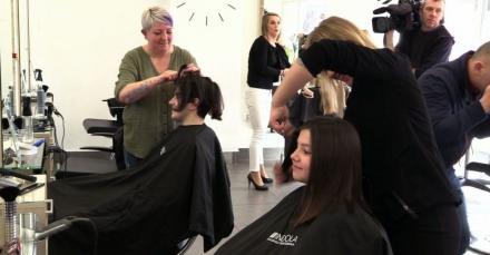 """Ścięły włosy w Dzień Kobiet, czyli akcja """"Daj włos! Dziewczyny dla dziewczyn"""""""