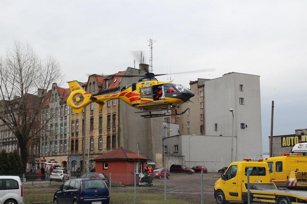 Wypadek na terenie komendy PSP. Policjant podczas szkolenia spadł z dużej wysokości