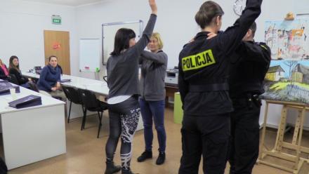 """""""Chorzów. Miasto kobiet"""" - policyjne warsztaty z podstaw samoobrony"""