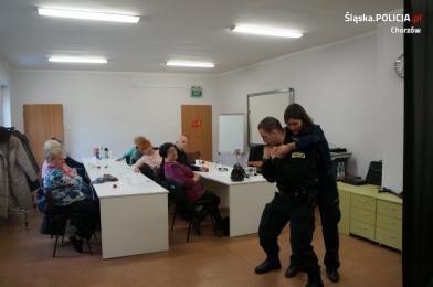 Policyjne warsztaty bezpieczeństwa i podstaw samoobrony