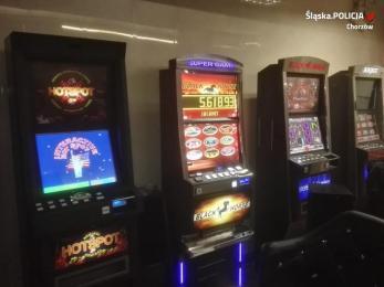 Chorzowscy policjanci z funkcjonariuszami KAS zlikwidowali kolejny salon gier