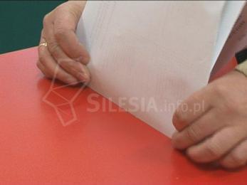 PKW zarejestrowała aż 19 komitetów wyborczych. Zgłoszenia do 26 sierpnia