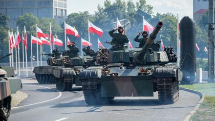 W Katowicach odbyła się defilada Wierni Polsce z okazji Święta Wojska Polskiego!