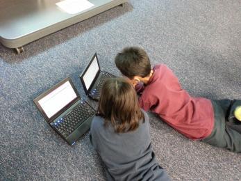 Nauczmy dzieci jak bezpiecznie korzystać z Internetu