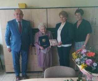 Pani Cecylią Ćwieląg obchodziła 100 urodziny! Niech nam żyje 200 lat!