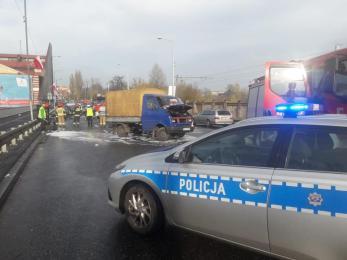 Uwaga kierowcy! DK79 w stronę Katowic zablokowana - zderzyły się trzy pojazdy