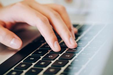 Kompendium - jak nie dać się oszukać w internecie