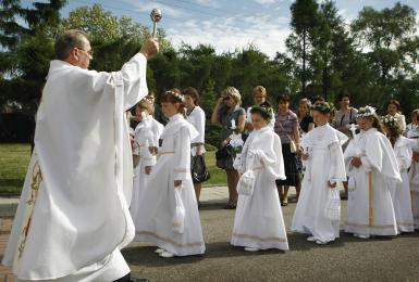 Jak będą wyglądać tegoroczne Pierwsze Komunie św.? Zalecenia metropolity katowickiego