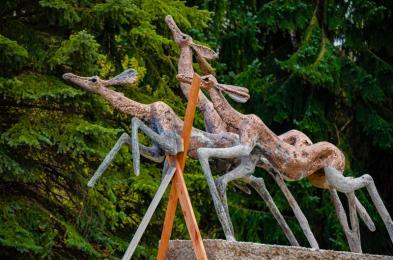"""Dobiega końca proces renowacji kultowej rzeźby """"Łanie"""""""