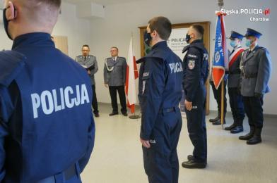 Ślubowanie nowych policjantów w chorzowskiej komendzie
